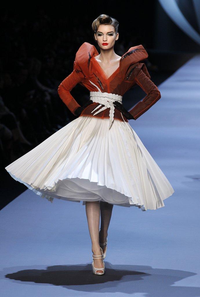 1Photos-Christian-Dior-Spring-2011-Haute-Couture