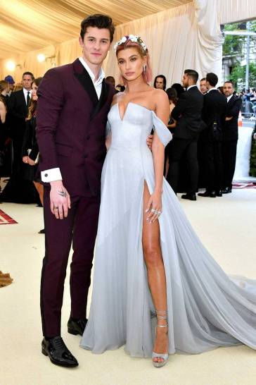Hailey Baldwin in Tommy Hilfiger and Shawn Mendes in Tom Ford